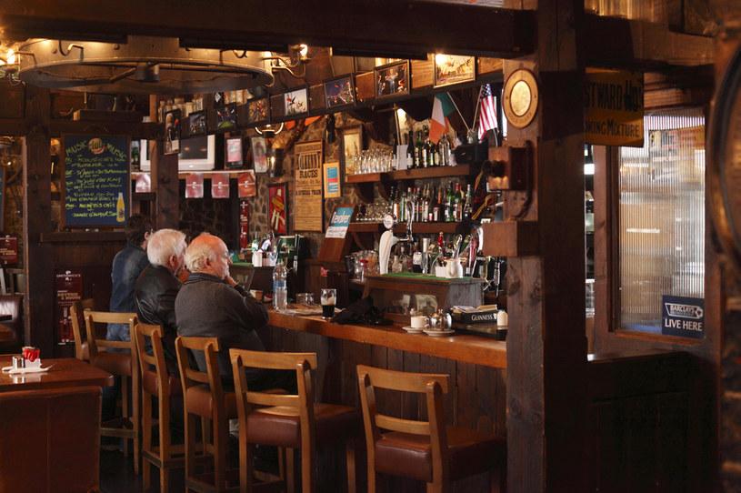 Tradycyjny pub na Wyspach Brytyjskich /Martin Siepmann /Agencja FORUM