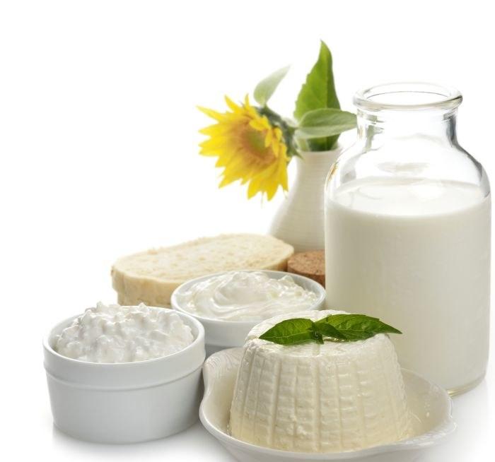 Trądzik a produkty mleczne /© Photogenica