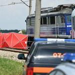 Tragedia na Podkarpaciu. Samochód wjechał pod rozpędzony pociąg
