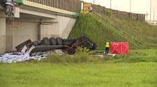 Tragedia na S8. Ciężarówka spadła z wiaduktu