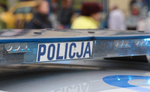 Tragedia w Łódzkiem. Ciężarówka zderzyła się z autem osobowym
