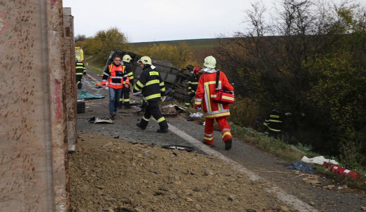 Tragiczny wypadek autobusu na Słowacji. 12 osób nie żyje, wśród ofiar są dzieci