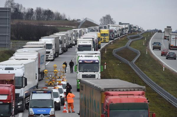 Miejsce wypadku na autostradzie A1 w kierunku Katowic, między węzłami Łódź Północ i Brzeziny