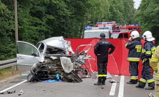 Tragiczny wypadek na DK 20. Ciężarówka zderzyła się z autem osobowym