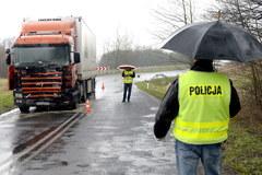 Tragiczny wypadek na Podkarpaciu: Bus, którym jechali młodzi piłkarze, zderzył się z ciężarówką
