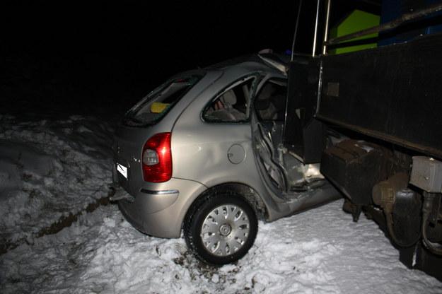 Tragiczny wypadek na przejeździe kolejowym /KWP Bydgoszcz