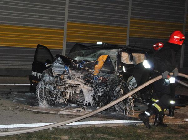 Miejsce wypadku w miejscowości Kuśnie, na nowo otwartym odcinku drogi S8 w okolicy węzła Sieradz Południe