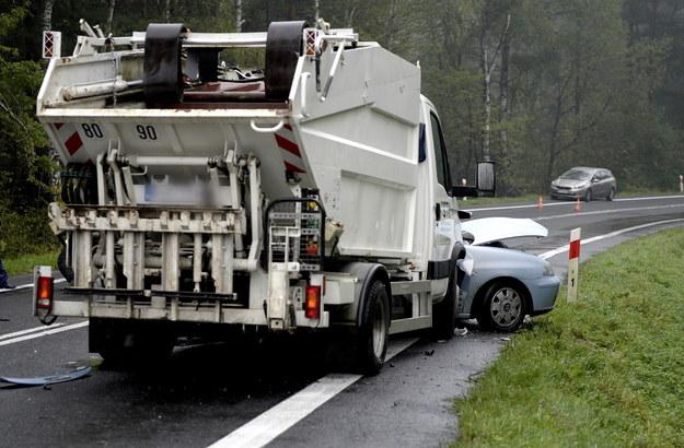 Tragiczny wypadek w Zagórzu. Trzy osoby nie żyją /Darek Delmanowicz /PAP
