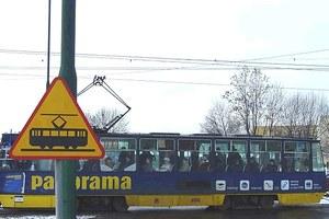Tramwaje blokują...