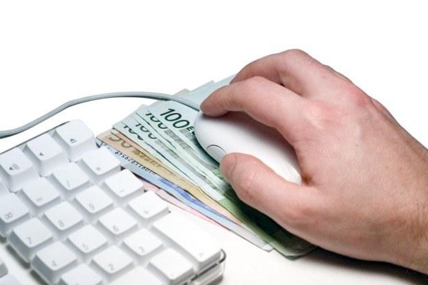 transakcje finansowe online to jedno z głównych zagrożeń związanych z korzystaniem z internetu /stock.xchng