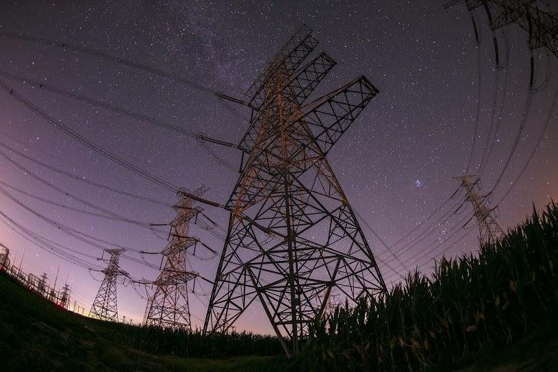 Transformacja polskich sieci dystrybucyjnych kosztować będzie ok. 25 mld euro /123RF/PICSEL