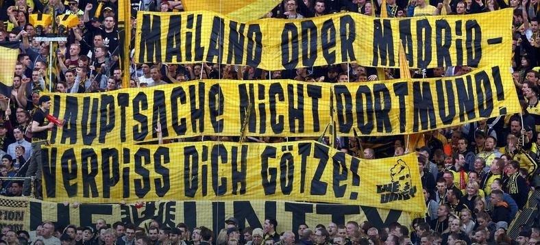 Transparent kibiców Borussii Dortmund /AFP