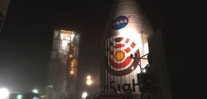 Transport InSight (wewnątrz osłony aerodynamicznej) do stanowiska startowego (do integracji z rakietą Atlas V) / /NASA