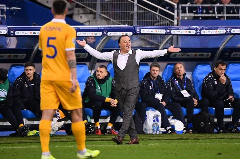 Trener Engin Firat podczas meczu Francja - Mołdawia /AFP