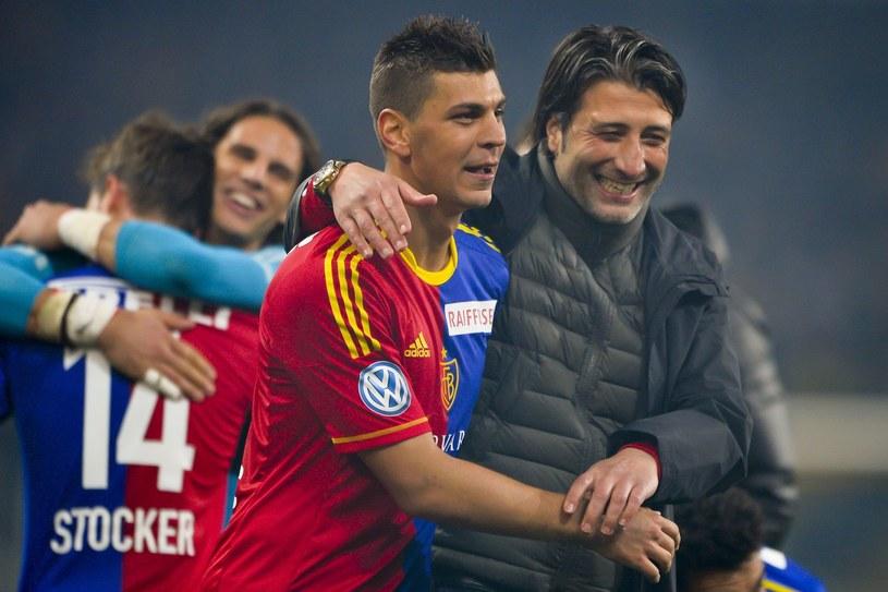 Trener FC Basel Murat Yakin (z prawej) /AFP