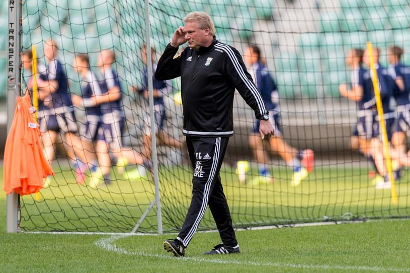 Trener IFK Goeteborg Jorgen Lennartsson podczas treningu we Wrocławiu /Maciej Kulczyński /PAP