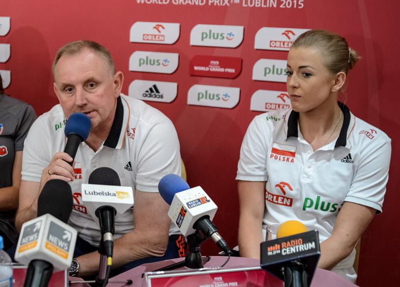 Trener Jacek Nawrocki (z lewej) oraz Joanna Wołosz (z prawej). /Wojciech Pacewicz /PAP