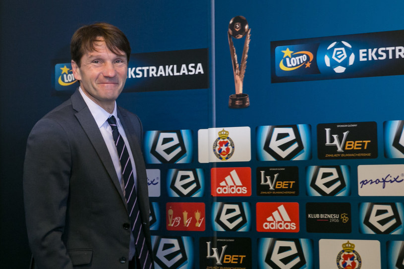 Trener krakowskiej Wisły Joan Carillo /AFP