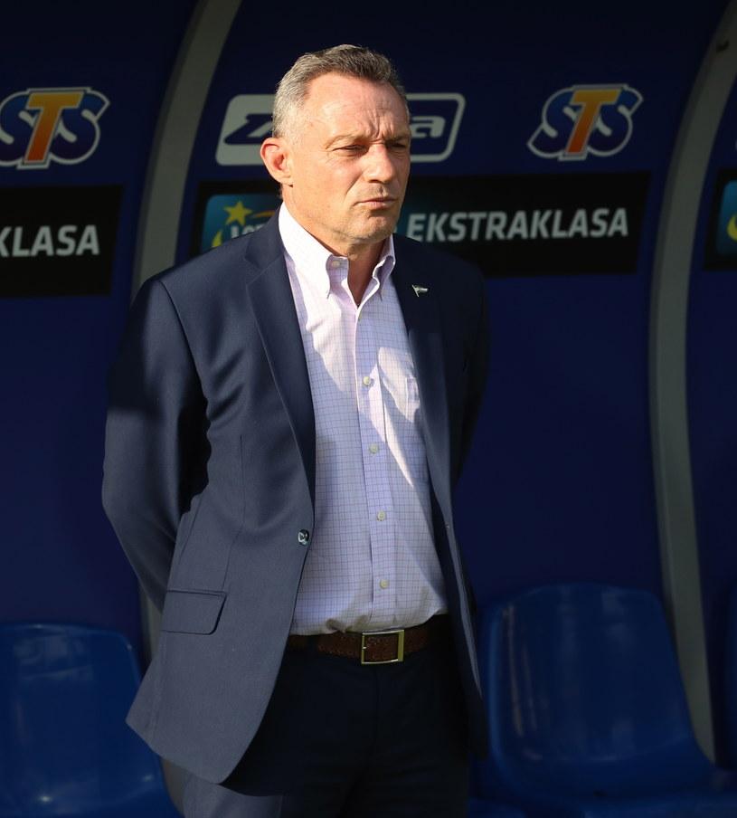 Trener Lechii Piotr Nowak podczas meczu z Pogonią Szczecin. /Teodor Szary /PAP