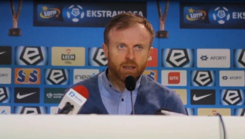 Trener Lechii Piotr Stokowiec po porażce z Lechem 0-3. /INTERIA.PL