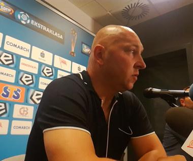 Trener Mariusz Lewandowski po meczu z Cracovią. Wideo