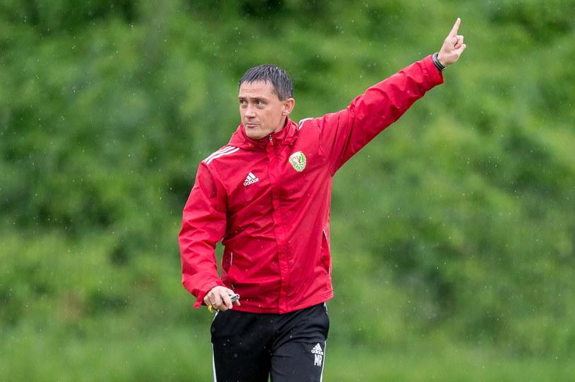 Trener Mariusz Rumak podczas treningu /Maciej Kulczyński /PAP