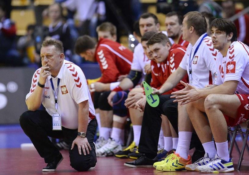 Trener Michael Biegler z polskimi szczypiornistami /AFP