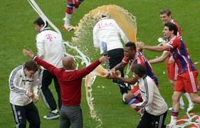 Trener Pep Guardiola doprowadził Bayern Monachium do 24. mistrzostwa Niemiec