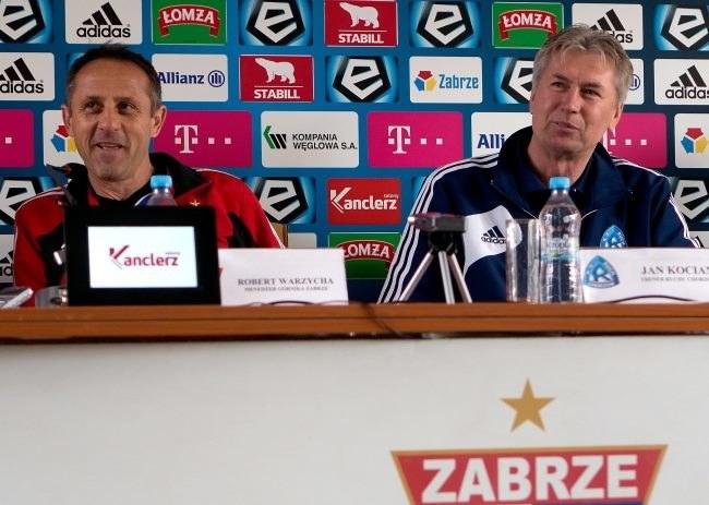 Trener piłkarzy Górnika Zabrze Robert Warzycha (L) i trener Ruchu Chorzów Jan Kocian (P) podczas konferencji prasowej w Zabrzu /PAP