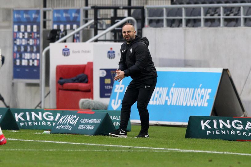 Trener Piotr Tworek w meczu Pogoń Szczecin - Warta Poznań /FOT. KRZYSZTOF CICHOMSKI / NEWSPIX.PL /Newspix