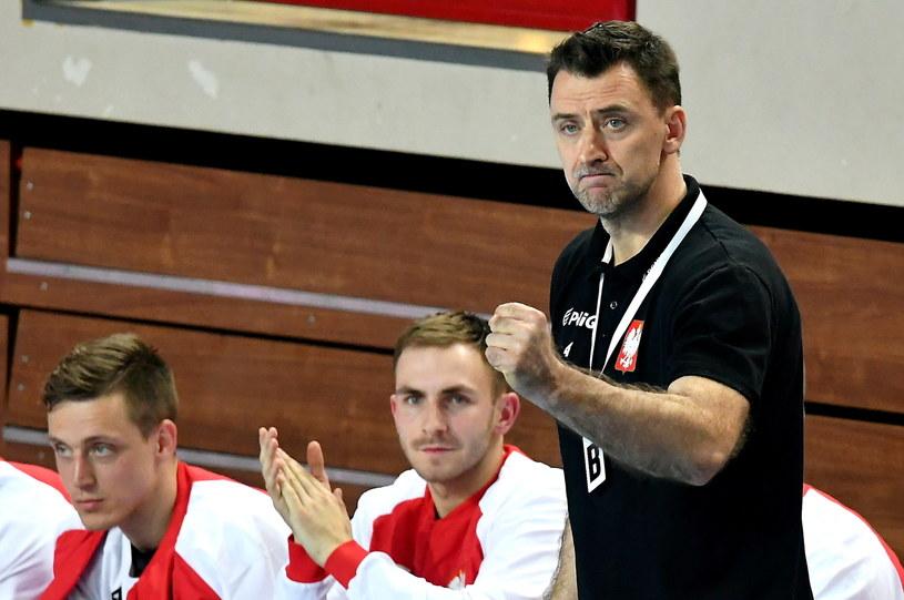 Trener Polaków Piotr Przybecki podczas meczu z Kosowem / Piotr Polak    /PAP