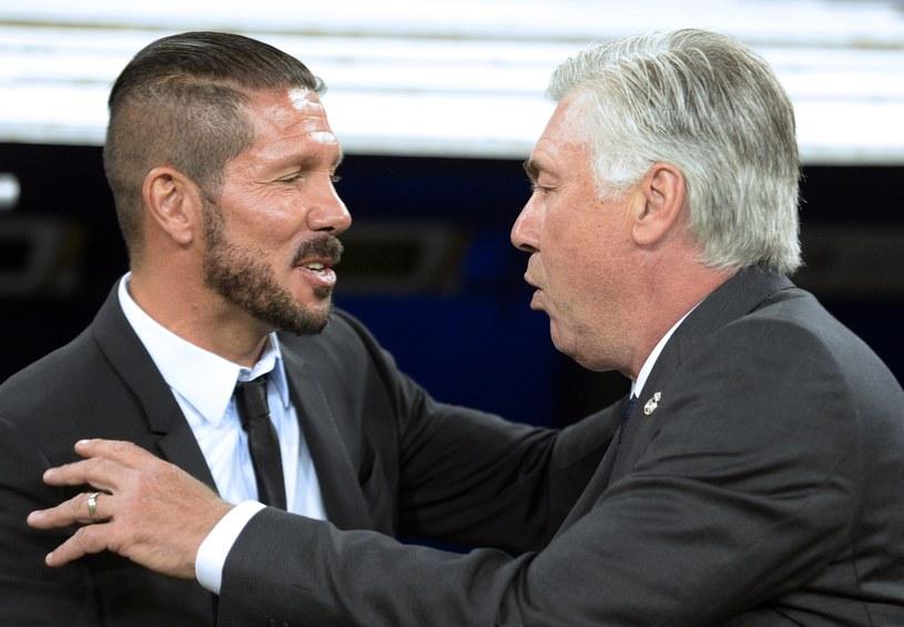 Trener Realu Carlo Ancelotti (z prawej) i szkoleniowiec Atletico Diego Simeone /AFP