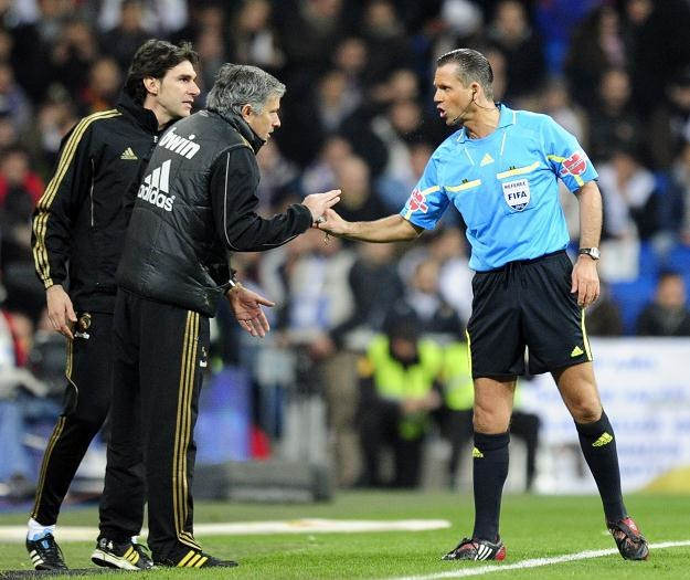 Trener Realu Madryt Jose Mourinho (w środku) /AFP