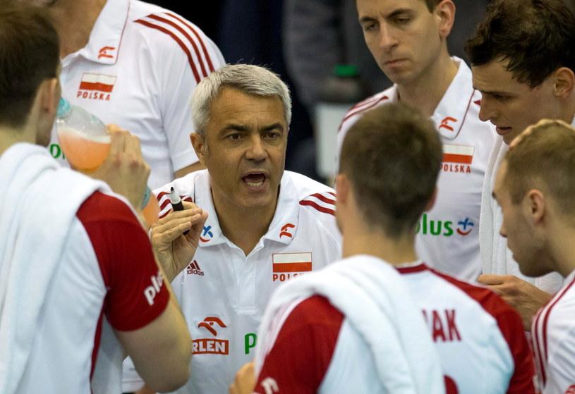 Trener reprezentacji Polski Andrea Anastasi rozmawia z zawodnikami /Maciej Kulczyński /PAP