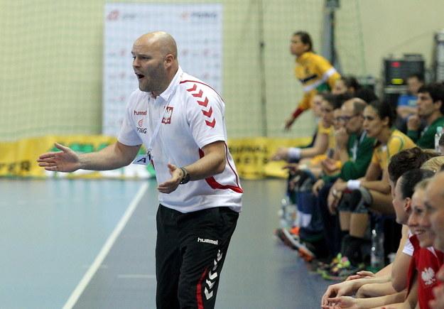Trener reprezentacji Polski Kim Rasmussen podczas meczu towarzyskiego z Brazylią /Tomasz Waszczuk /PAP