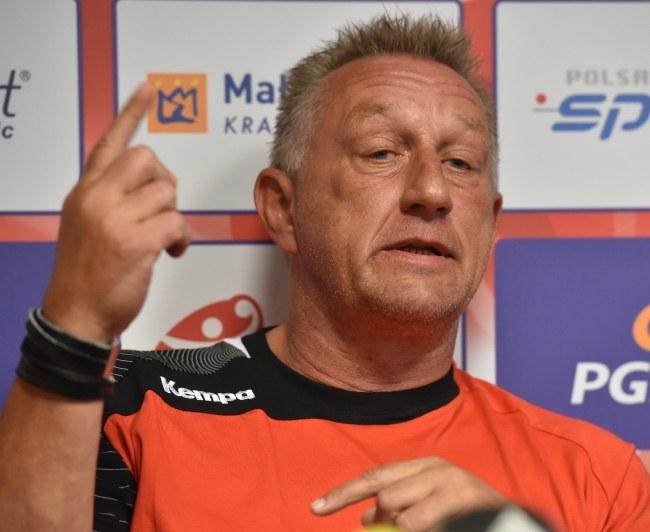 Trener reprezentacji Polski piłkarzy ręcznych Michael Biegler /Jacek Bednarczyk /PAP
