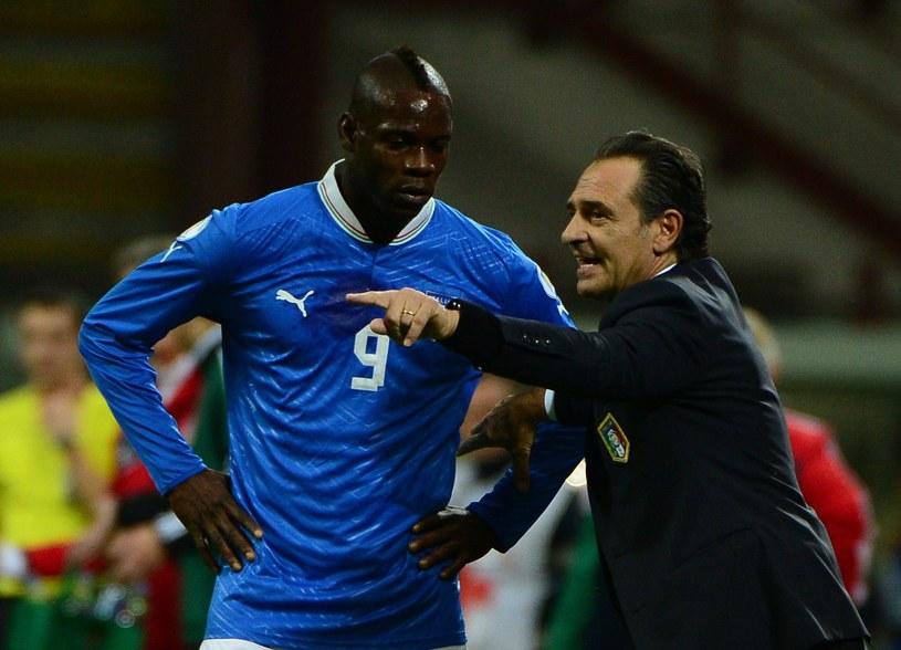 Trener reprezentacji Włoch Cesare Prandelli i Mario Balotelli /AFP