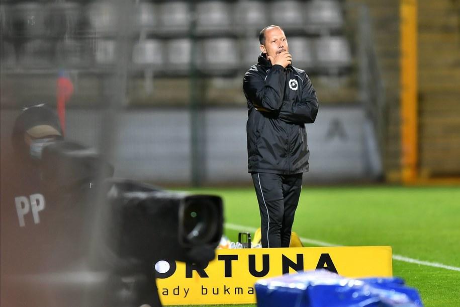 Trener Stali Mielec Dariusz Marzec podczas meczu 1. ligi piłkarskiej z Miedzią Legnica / Maciej Kulczyński    /PAP