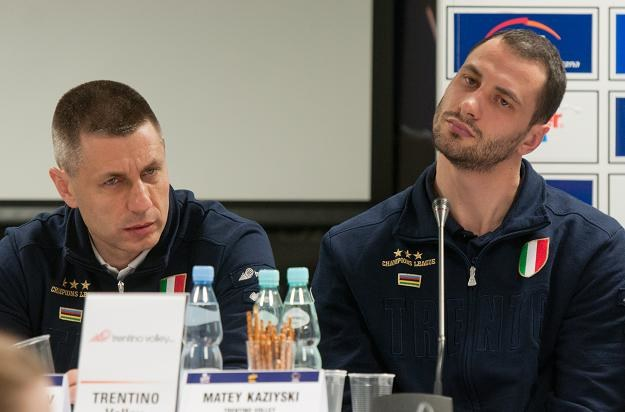 Trener Trentino Volley Radostin Stojczew i kapitan Trentino Matej Kazijski /PAP