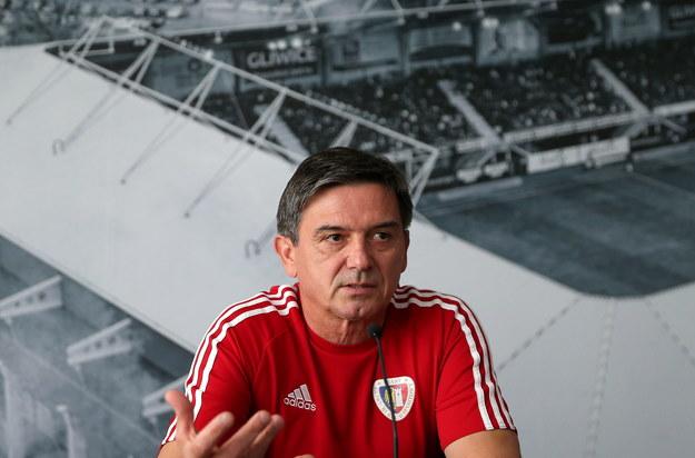Trener uważa, że szanse obu drużyn na awans są równe / Andrzej Grygiel    /PAP
