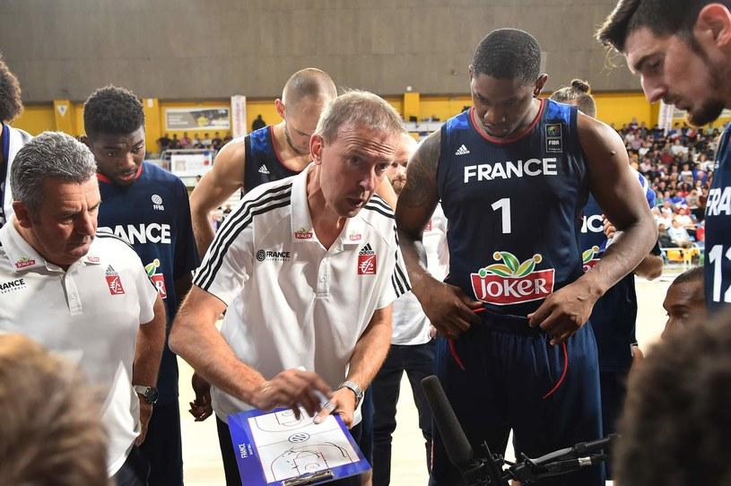 Trener Vincent Collet z koszykarzami Francji /AFP