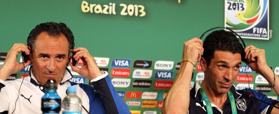 Trener Włochów Cesare Prandelli oraz bramkarz Gianluigi Buffon /SRDJAN SUKI /PAP