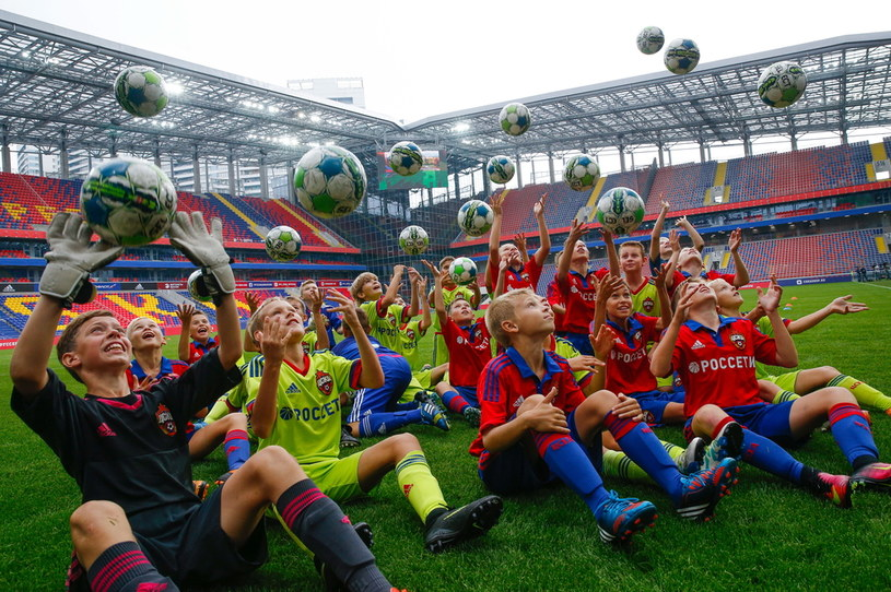 Trening dzieci na stadionie CSKA Moskwa /Alexander Shcherbak\TASS /Getty Images