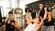 Trening na siłowni. Jak uniknąć błędów początkujących?