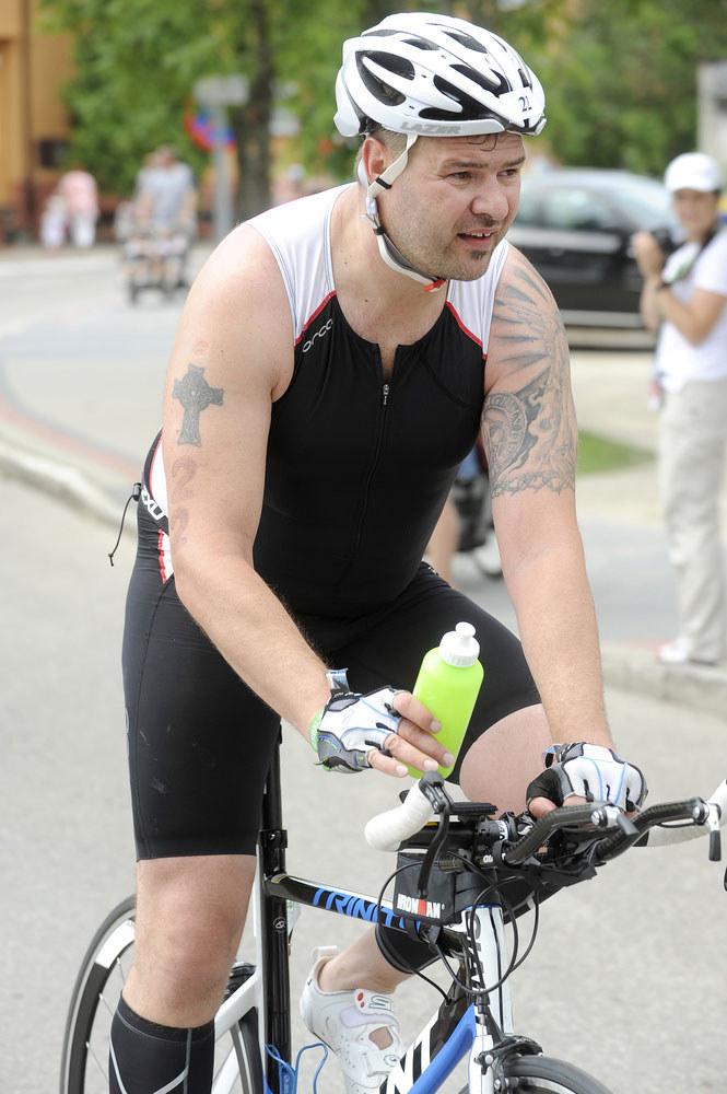 Triatlon to wielka pasja aktora. W ubiegłym roku dwukrotnie brał udział w wyczerpujących zawodach. I nadal mu mało! /Mieszko Pietka /AKPA