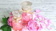 Trik odmładzający - okład ze schłodzonej wody różanej