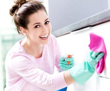 Triki ułatwiające sprzątanie, które stosują najlepsze sprzątaczki