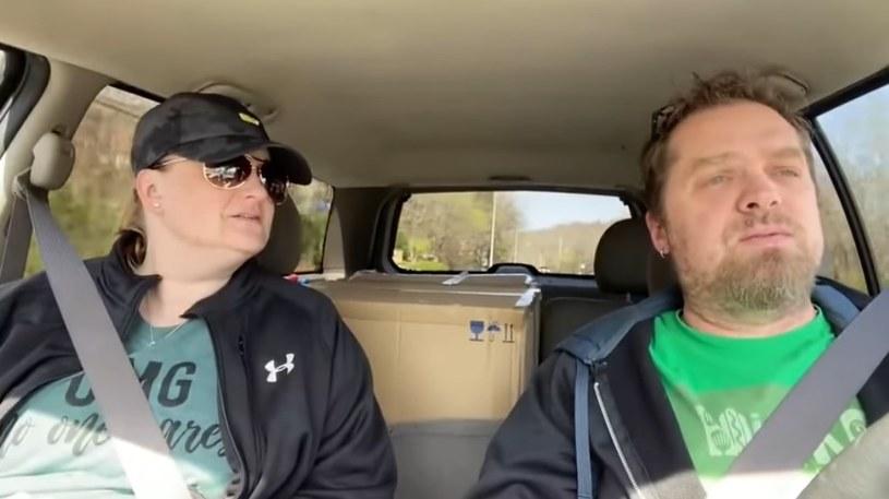 """Tristan i Dusty byli przeciwni szczepieniu się /Screen z Youtube z kanału """"Vaxx Mann"""" /materiał zewnętrzny"""