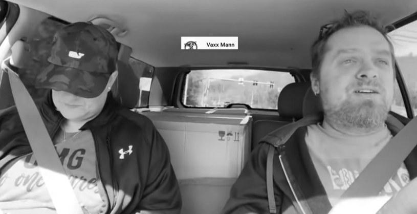 """Tristan i Dusty zmarli na COVID-19 /Screen z Youtube z kanału """"Vaxx Mann"""" /materiał zewnętrzny"""