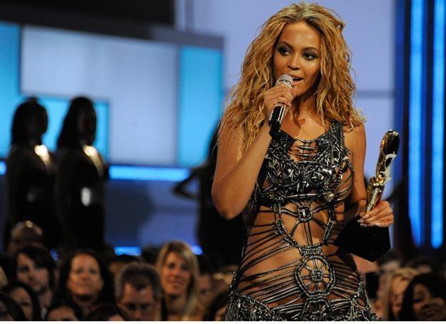Triumfująca Beyonce na gali Billboardu - fot. Ethan Miller /Getty Images/Flash Press Media